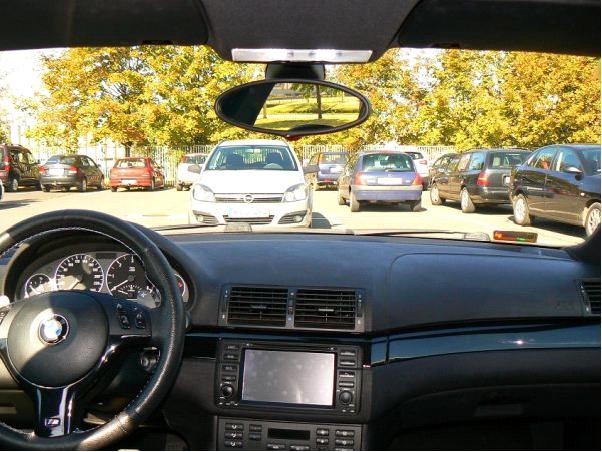 Automatikusan sötétedő belső tükör utólagos bekötése BMW E46-ba