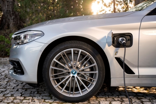 BMW 530e iPerformance plug-in hibrid