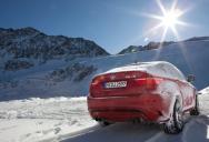 M3-al a jégen át. BMW vezetési tréning a havon.