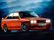 Videó: BMW M3 E30 megemlékezés négy percben