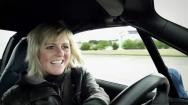 Videó: Sabine Schmitz, a világ leggyorsabb taxisofőrje.