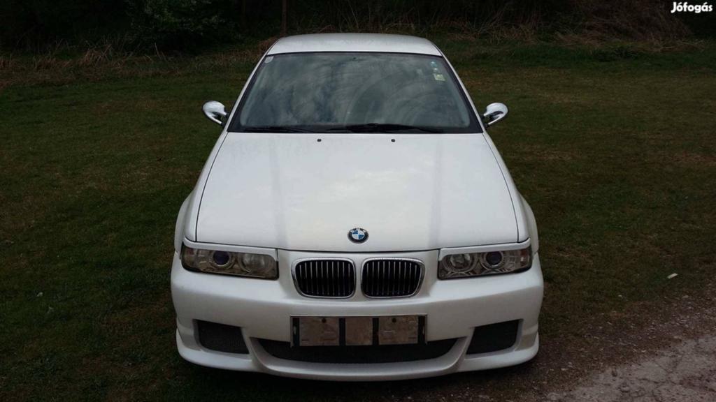 BMW 318 TDS nagyítás