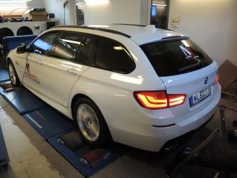 BMW F11 530d teljesítménymérőpadon
